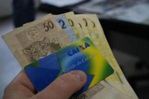 Os participantes poderão sacar os valores de acordo com o cronograma de pagamentos, que ainda será divulgado pelo governo