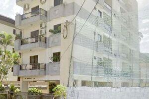 Casal de zeladores foi rendido pelos assaltantes, que saquearam apartamentos; perseguição da PM contou com apoio de helicóptero