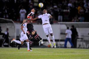 Mesmo sem seus principais atletas, Santos vence fora
