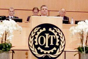 Sergio Luiz Leite, presidente da FEQUIMFAR, foi o escolhido para falar em nome dos trabalhadores do país