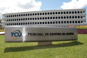 TCU diz que Dilma repetiu indícios de irregularidades em 2015