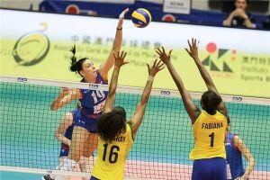 Seleção brasileira feminina leva virada da Sérvia e perde a 1ª no Grand Prix
