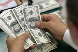 O dólar acumula queda de 3% em janeiro