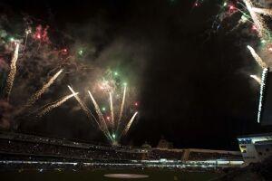 Fogos de artifício com barulho durante festa de abertura do Campeonato Paulista, na Vila Belmiro, em Santos, causou novas discussões sobre a lei que proíbe o artefato
