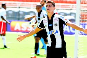 Vitor Bueno abriu o marcador para o Santos