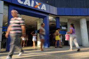 A Caixa Econômica Federal passou a abrir as agências duas horas mais cedo a partir de hoje (15)