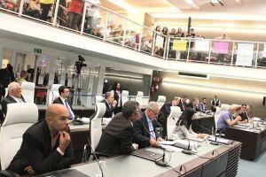 Após passar em duas discussões, projeto segue para sanção de Paulo Alexandre Barbosa. Mesmo que seja aprovada a lei, chefe do Executivo pode negar isenção