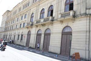Maior teatro público de Santos, o Coliseu oferece 664 lugares; o número não considera os camarotes do 2º piso