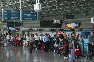 Empresa aérea anuncia desconto para passageiros sem bagagem
