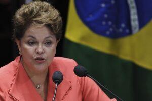 A defesa da ex-presidente Dilma Rousseff no TSE questiona a perícia da Polícia Federal em gráficas