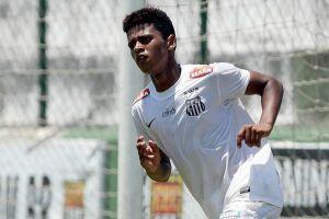 O atacante Diogo Vitor sumiu mais uma vez dos trabalhos no Santos