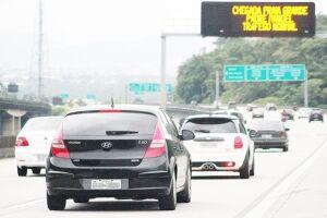 Mais de 119 mil veículos já haviam descido a serra até a tarde desta sexta-feira (24), segundo a contagem da Operação Carnaval, da Ecovias, iniciada à zero hora do dia 23