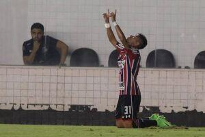 O Tricolor virou para cima do Santos e terminou a partida em 3 a 1