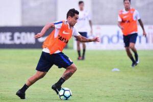 Jadson deverá jogar pelo Corinthians nesta quarta na Copa do Brasil