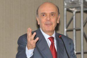 José Serra entregou ao presidente Michel Temer pedido de demissão, alegando problemas de saúde