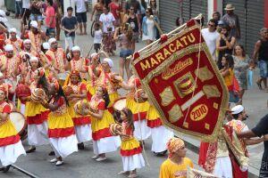 Quiloa frequenta há 11 anos o Carnaval de Recife. Lá, o grupo integra a centenária Nação Porto Rico e a Nação Encanto do Pina - primeira e única a ter uma mestra