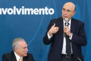 O presidente Michel Temer e o ministro da Fazenda, Henrique Meirelles, disseram hoje (21) que a recessão já terminou no Brasil