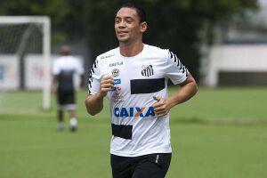 Ricardo Oliveira dá susto, mas não deve ser problema no clássico
