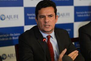 Sérgio Moro afirmou que o ex-deputado Eduardo Cunha tentou intimidar o presidente Michel Temer
