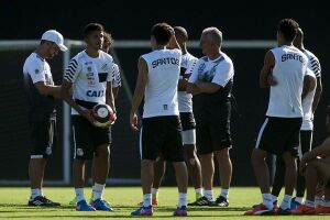 Após derrota para o São Paulo, na última quarta, Santos busca recuperação no Paulista