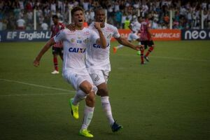 O time alvinegro venceu o Botafogo-SP, por 2 a 0, na Vila Belmiro,