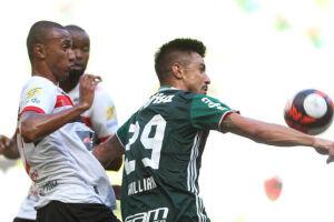 Titular contra o Botafogo-SP, Willian teve participação apenas discreta