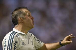 Para o técnico Eduardo Baptista, porém, o árbitro Mario Diaz de Vivar foi muito rigoroso