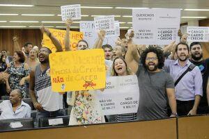 A Câmara de São Vicente foi novamente palco de protestos na noite de ontem