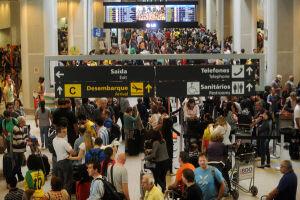 Os gastos dos brasileiros com viagens internacionais somaram US$ 1,36 bilhão no mês passado