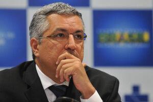 O ex-ministro da Saúde Alexandre Padilha disse que está à disposição para disputar a presidência do PT