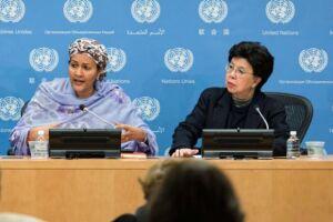 A diretora-geral da OMS, Margaret Chan (esq), e a vice-secretária-geral da ONU, Amina Mohammed (dir), afirmaram que a resistência antimicrobiana já está prolongando doenças em todo o mundo