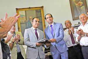 O plano, entregue ontem na Câmara Municipal de Santos, permite que, através da internet, a população fiscalize e acompanhe o andamento das metas propostas