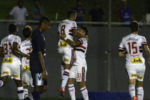 Autor de três gols na vitória tricolor, Cícero presenteará o filho com a bola do jogo