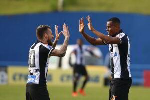 Copete saiu do banco para dar a vitória ao Santos
