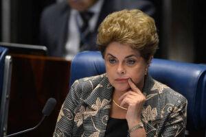 Questionada sobre as suspeitas de repasses ilegais da construtora para sua chapa, Dilma negou, mais uma vez