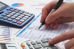 O endividamento das famílias brasileiras com o sistema financeiro passou de 42,1% em dezembro para 42,0% em janeiro