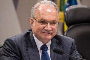Fachin dá 15 dias para Renan se defender da acusação de propina de R$ 800 mil