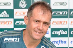 O técnico Eduardo Baptista quer usar sequência difícil para fortalecer o Palmeiras