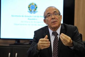 O ministro foi internado na semana passada com um quadro de obstrução urinária