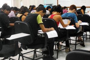 10% dos cursos superiores avaliados em 2015 pelo MEC têm nota ruim