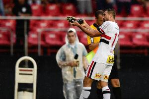 """Gilberto é o """"matador"""" do São Paulo na temporada, com seis gols"""