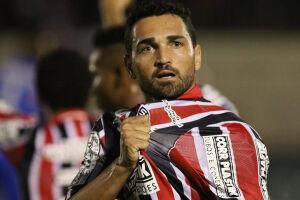 Contra o Corinthians, Gilberto pede retorno de intensidade ao São Paulo
