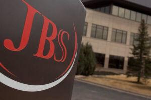 'The Wall Street Journal' destaca que, entre as empresas que foram alvo da operação, estão a JBS e a BRF, 'ambas com importantes operações fora do Brasil'.