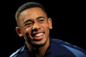 Gabriel Jesus está concorrendo a craque do mês na Premier League