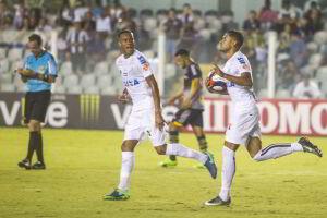 Kayke marcou duas vezes na vitória do Santos