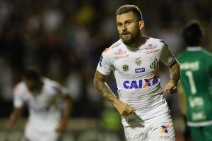 Lucas Lima marcou um e deu passe para o outro gol do Santos