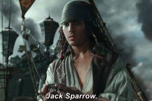 Johnny Depp retorna às telas de cinema no papel do anti-herói icônico e fanfarrão, Jack Sparrow