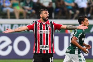 Pratto teve uma fratura no nariz durante a partida contra o Palmeiras
