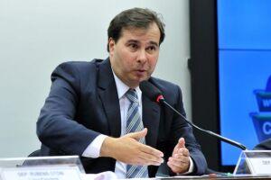 O presidente da Câmara dos Deputados, Rodrigo Maia, defende o financiamento público, juntamente com a lista fechada