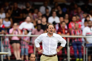 Rogério Ceni defendeu o gol do São Paulo tanto no período de invencibilidade em 2013 quanto nos momentos difíceis no Allianz Parque